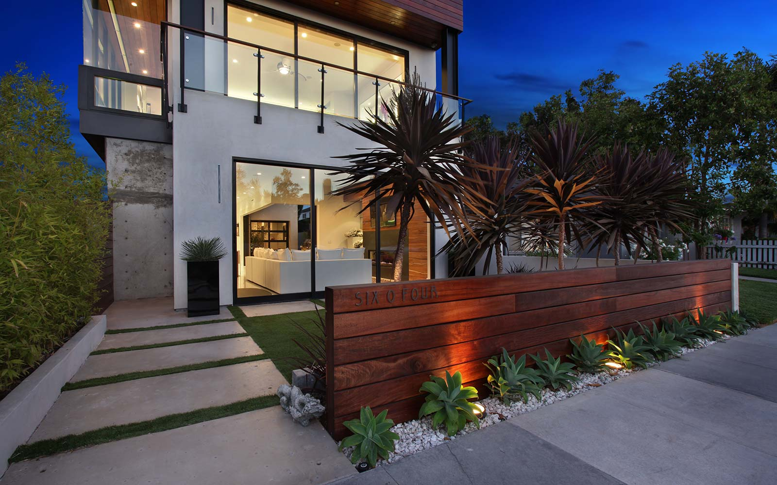 acacia-contemporary-exterior