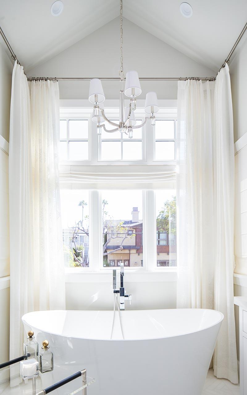 dahlia-traditional-master-bath-tub