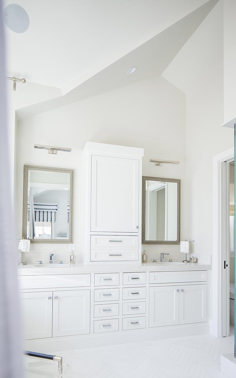 dahlia-traditional-master-bath-vanity