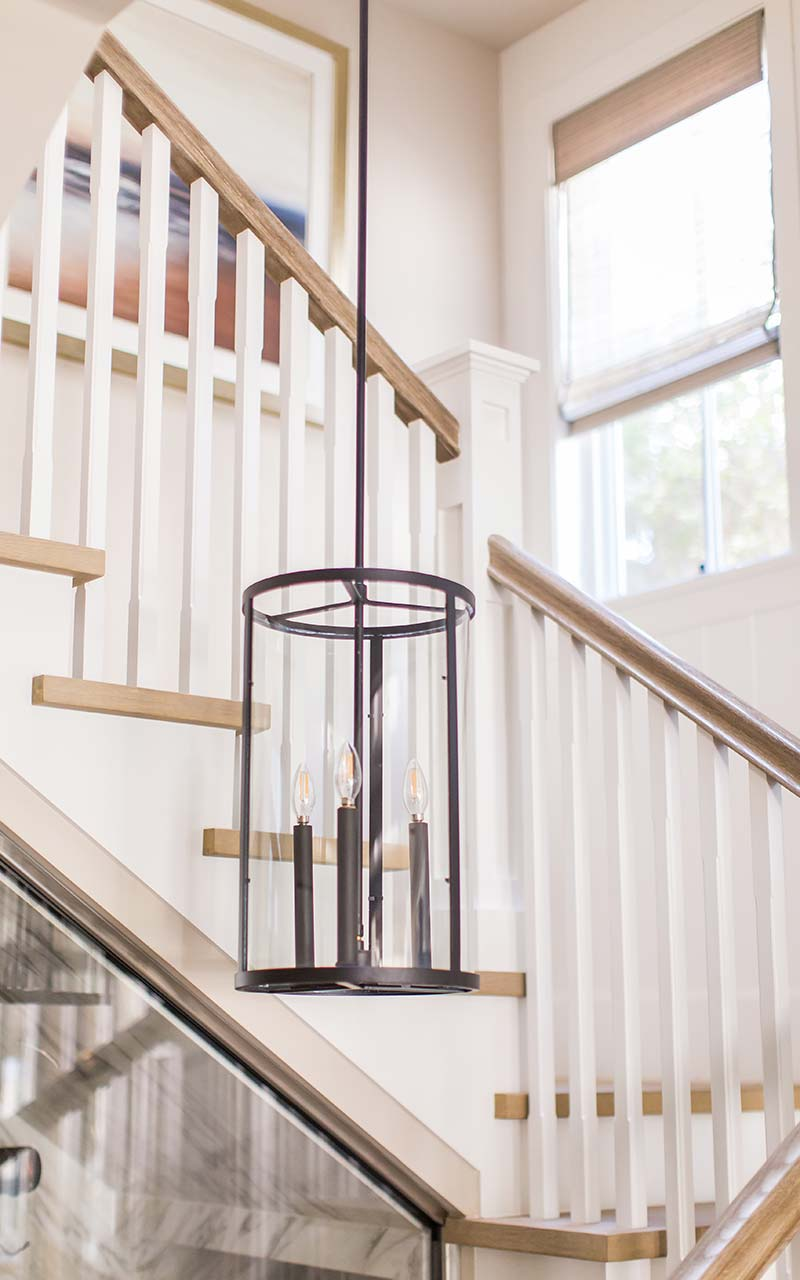dahlia-traditional-stairs-chandelier