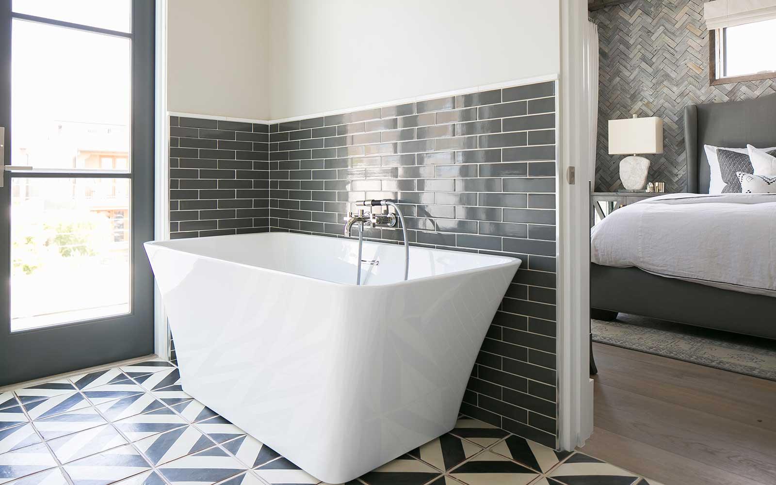 marigold-master-bathroom-tub