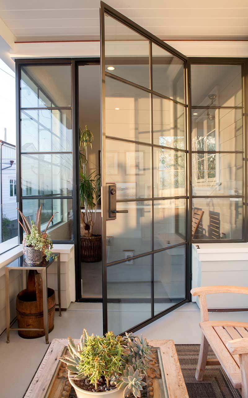 poppy-modern-farmhouse-balcony-art-room