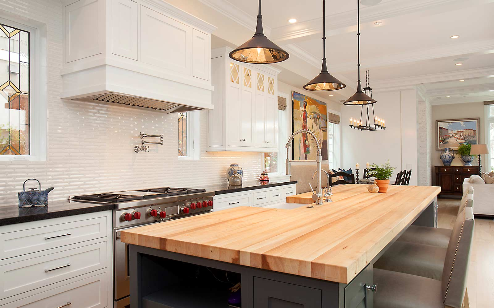 poppy-modern-farmhouse-kitchen-angle
