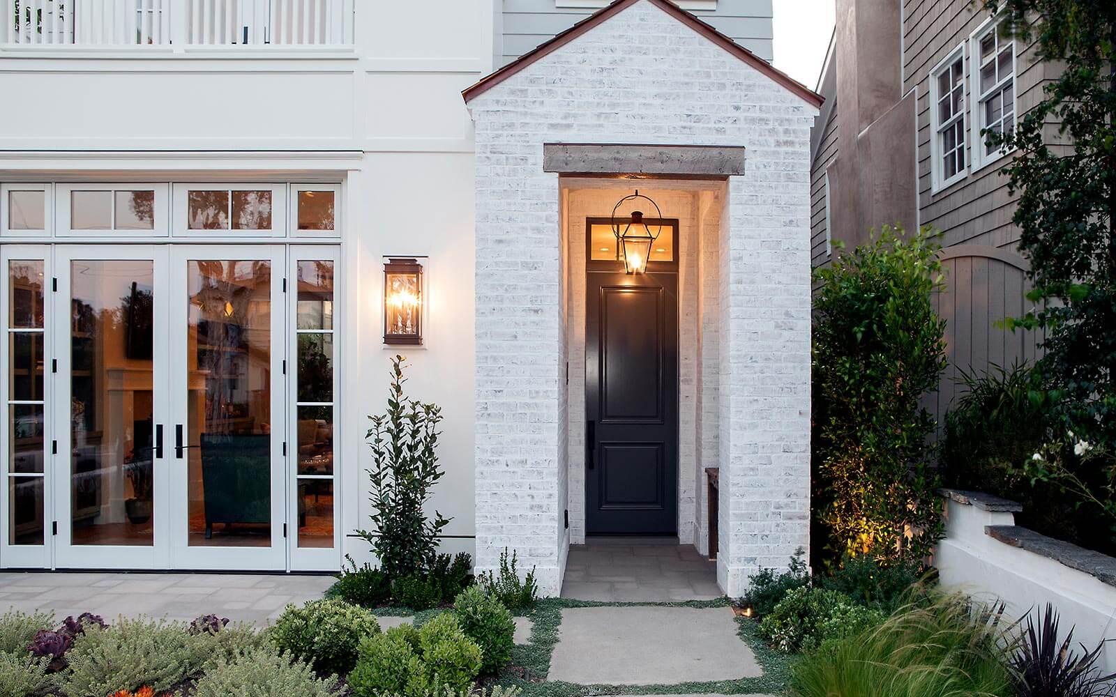 poppy-modern-farmhouse-loggia-main