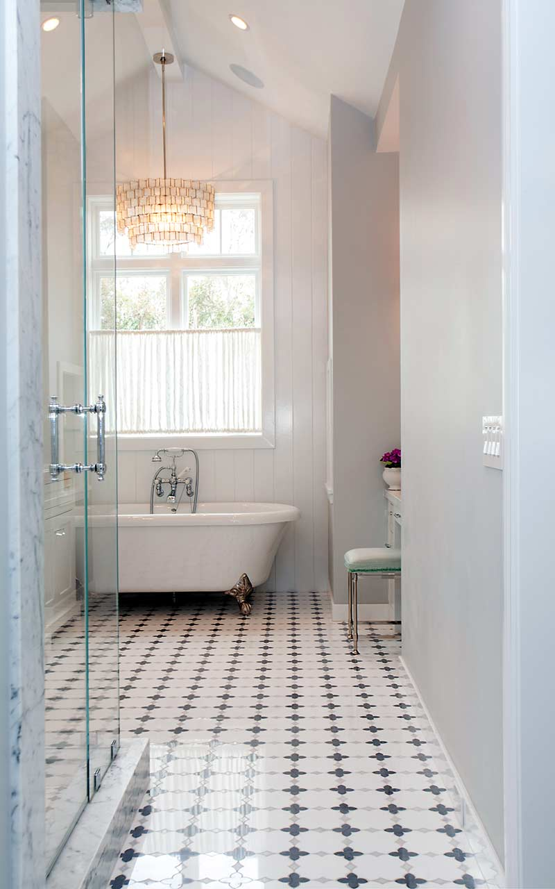 poppy-modern-farmhouse-master-bathroom-entry