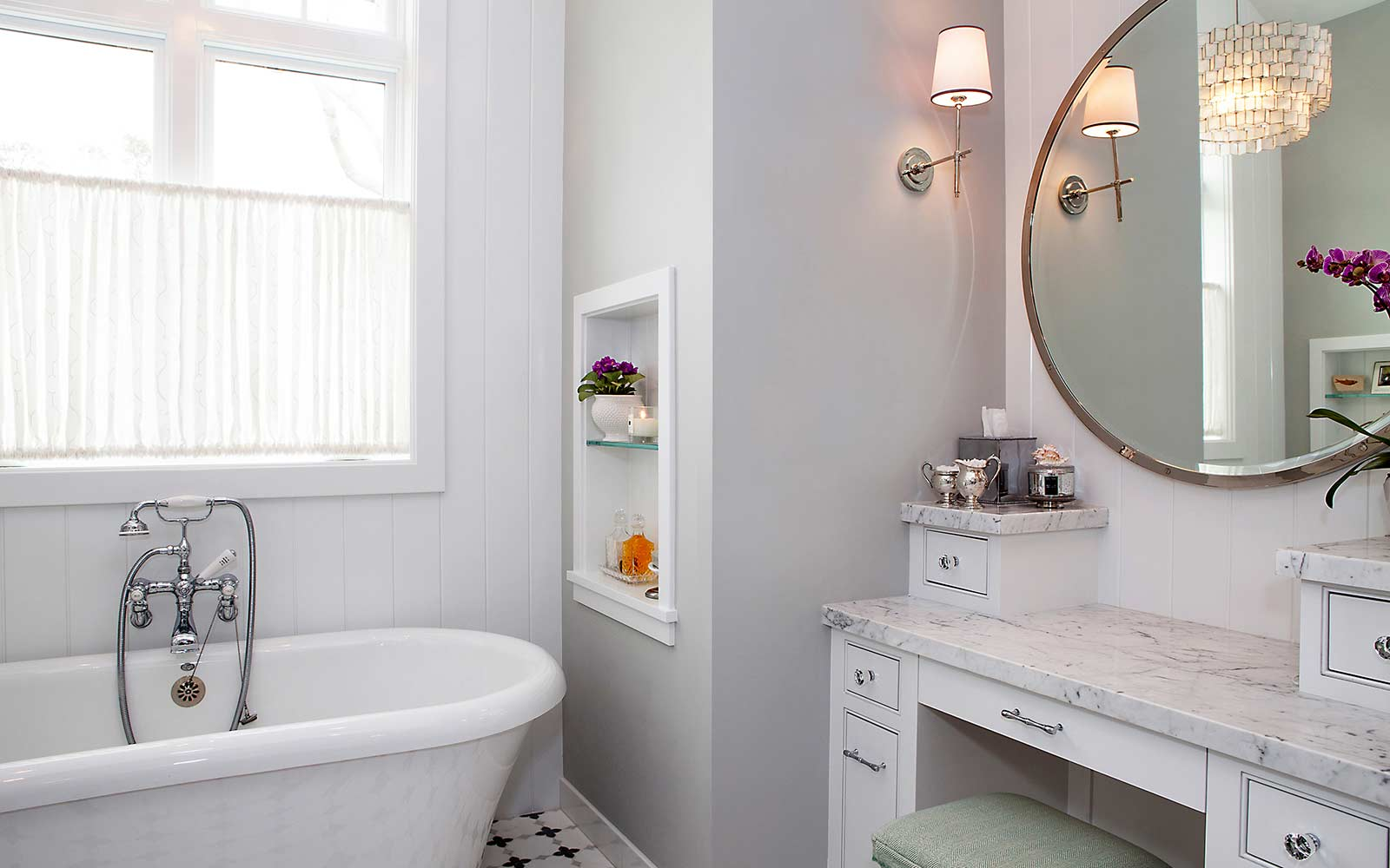 poppy-modern-farmhouse-master-bathroom-tub