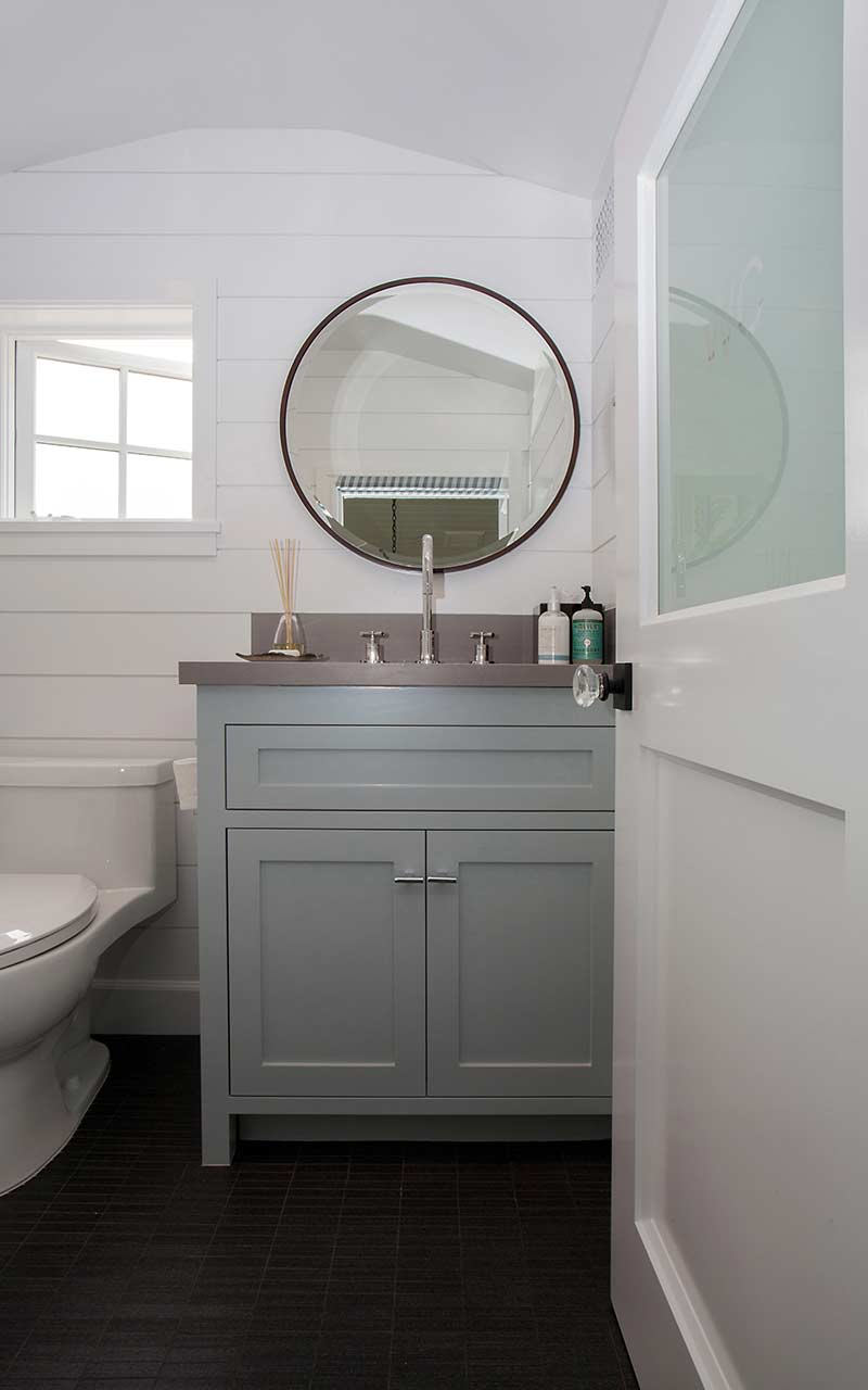 poppy-modern-farmhouse-powder-room