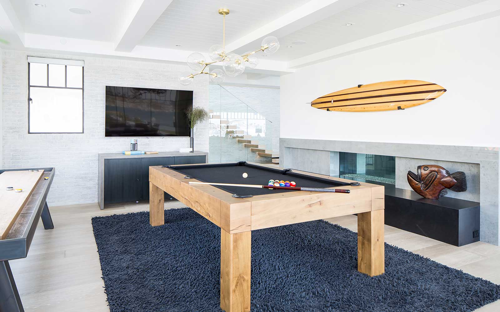 modern-beach-house-game-area