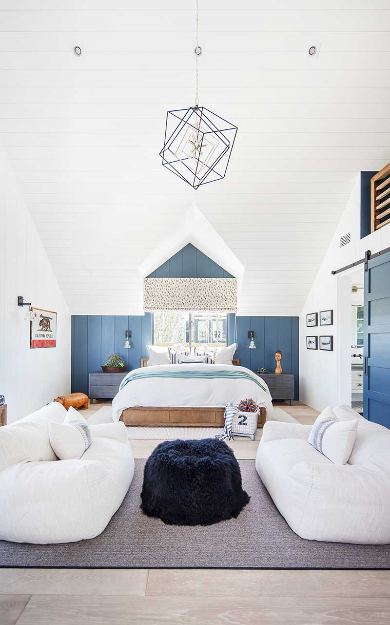 modern-beach-house-kids-bedroom-middle