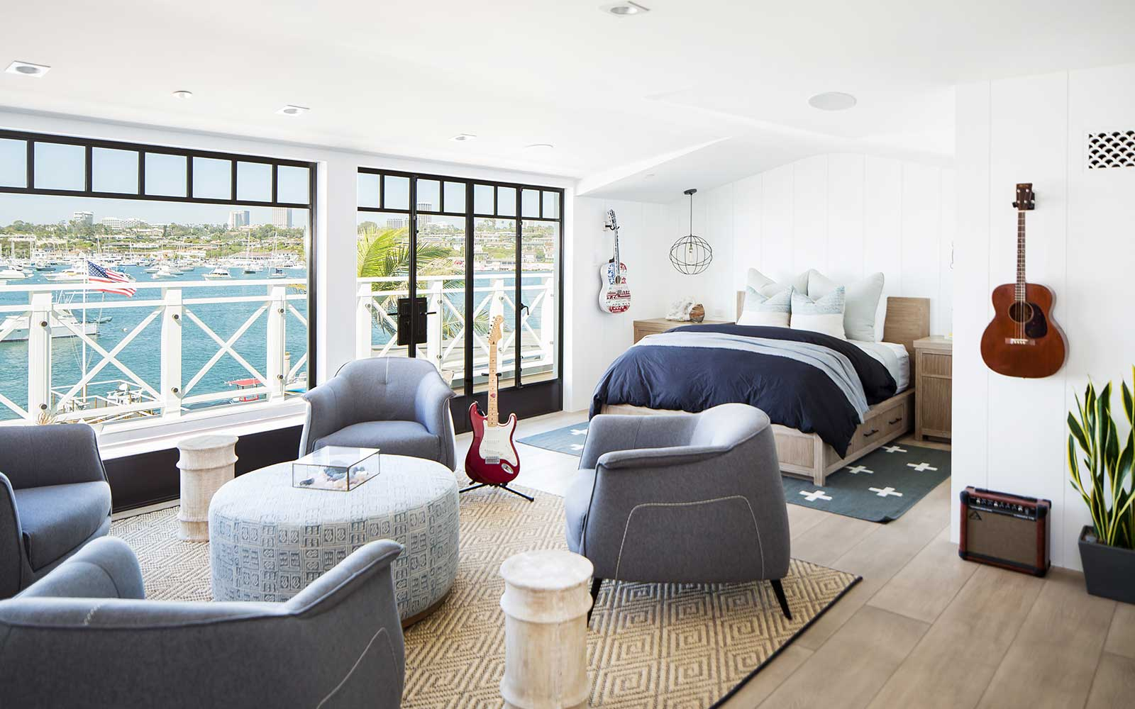 modern-beach-house-top-bedroom-main