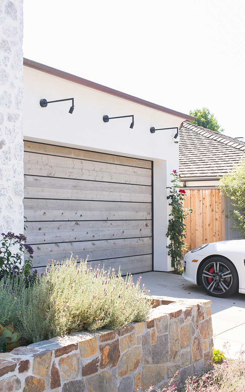 port-street-southwest-contemporary-garage