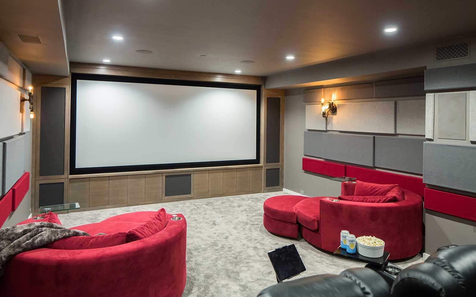 port-street-southwest-contemporary-movie-theater